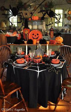 Boo Halloween, Table Halloween, Halloween Vintage, Halloween Table Settings, Image Halloween, Halloween Birthday, Halloween House, Holidays Halloween, Halloween Crafts