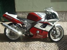 Yamaha FZR RR    Back to the old school back to the roots...