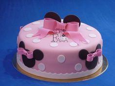 Minnie cake pink dots Hello Kitty Birthday Cake, Hello Kitty Cake, Minnie Birthday, 1st Birthday Parties, Bolo Minnie, Minnie Mouse Cake, Baby Girl Cakes, Barbie Cake, Cake Art