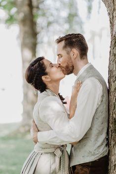 Casual Wedding Attire, Top Wedding Trends, Bridesmaid Gifts, Wedding Accessories, Wedding Ceremony, Wedding Decorations, Groom, Mona, Wedding Inspiration
