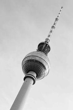 Hello Berlin! #bugattifashion #bugattitravel #AW15 #Germany #Berlin #Fernsehturm #TravelPhotography