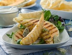 Grill-Melone mit Blauschimmelkäsecreme und Papadam Rezept Tuna, Barbecue, Grilling, Cheese, Fish, Meat, Chicken, Ethnic Recipes, Sandwiches