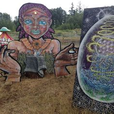 Some more Catnip bits from #atmospheregathering #musicfestival for your eyeballs. Got to do an #artinstallation a #mural and facilitated a community mural! So much fun was had, and my ears still tingle from the wonderful music and my soul is buzzing from the eclipse and my heart sings from the connections made! Thank you entirely 👽#atmo2017 #livepainting #ascension #birdtribe