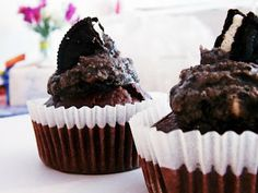Oreo-Cupcakes Oreo Cupcakes, Muffin, Breakfast, Desserts, Food, Baking, Morning Coffee, Tailgate Desserts, Dessert