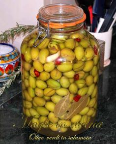 Olive verdi in salamoia - Magie in Cucina Olives, Romanian Food, Arabic Food, Marmalade, Antipasto, Couscous, Preserves, Pickles, Olive Green