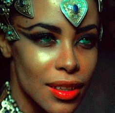 mine aaliyah queen of the damned akasha Source switchbladekiller Twilight Story, Rip Aaliyah, Queen Of The Damned, Aaliyah Haughton, Gothic, Image Icon, Horror Films, Werewolf, My Idol