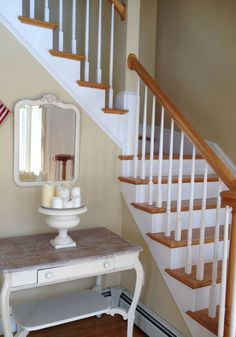 Powell Buff Benjamin Moore- old foyer Cabin Paint Colors, Best Neutral Paint Colors, Paint Colors For Home, Foyer Paint, Room Paint, Benjamin Moore, Foyer Decorating, Interior Decorating, Room Wall Colors