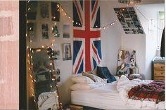 Cozy Bedroom, Twinkle Lights, London Love