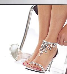 If I could walk in heels I'd love these. #weddingshoes