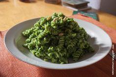 *Avocado-Spinat-Pesto schaffte es bei Sabine zu Nudeln auf den Teller und entzückt damit nicht nur mein avocadoliebendes Herz!