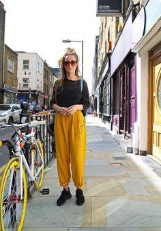 ロンドンのSaraのストリートスナップ Latte