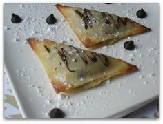 I want to try this! Chocolate Chip Cookie Dough Dessert Wontons. *sigh* cookie dough