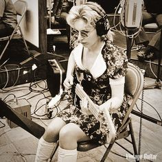 "Meet Legendary Session Musician Carol Kaye ""The First Lady Of Bass"" Joe Cocker, Nancy Sinatra, Brian Wilson, Les Doors, Rock And Roll Girl, Fender Precision Bass, Tv Girls, Women In Music, Patti Smith"