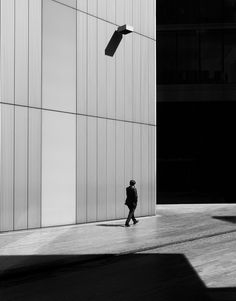 black and white photography, metropolis, Man on Earth Cityscapes by photographer Rupert Vandervell Fine Art Photography, Street Photography, Portrait Photography, Scott Hansen, Sense Of Place, We Are The World, Photo Black, Beauty Art, Light And Shadow