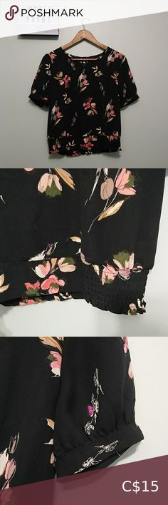 3/22$ Womens Super Light floral shirt In good condition No brands ticket Tops Tees - Short Sleeve Snoopy T Shirt, Bear T Shirt, Knit Shirt, Lululemon Shirts, Tied T Shirt, H&m Women, Plus Fashion, Fashion Tips, Fashion Trends