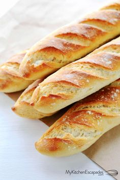 Easy French Bread Recipe, Homemade French Bread, Easy Bread, Mini Baguette, Baguette Bread, Easy Desserts, Dessert Recipes, Dessert Bread, Homemade Desserts