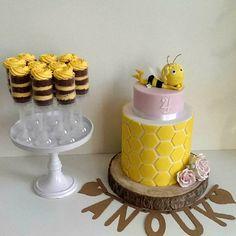 Verjaardag dochter 4 jaar, Maya de Bij, taart, pushcakes, Cake&Crumbles