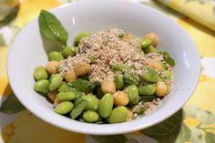Spuntino proteico sano e veloce?   Soia + ceci + sesamo   E voi, che cosa avete mangiato oggi?