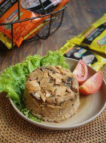 Diah Didi's Kitchen: Nasi Tim Kongbap Ayam Jamur Diah Didi Kitchen, Muffin, Chicken, Meat, Breakfast, Rice, Eggs, Food, Dishes