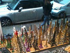 Souvenirs de París: la Torre Eiffel en todas sus versiones   DolceCity.com