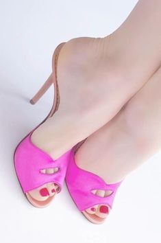 Beautiful Sandals, Beautiful High Heels, Pink High Heels, Hot High Heels, Prom Heels, Women's Feet, Fashion Heels, Sexy Feet, Girls Shoes