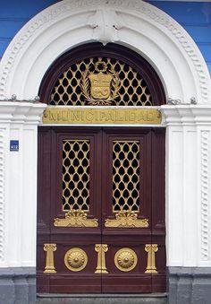 Puerta de la Municipalidad , Trujillo, Peru