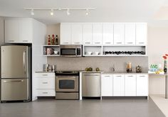 White Cupboards Stainless Steel Liance Gourmet Kitchens Featuring Kitchen Liances