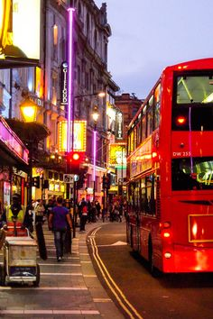 #Piccadilly Circus, #London, #England