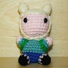 "Pupazzetto uncinetto amigurumi ""Finn the human"" adventure time. Amigurumi crochet plush keychain ""Finn the human"" from Adventure Time"