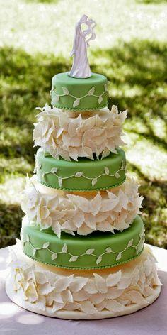 Leaf Pedals Wedding Cake