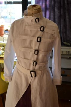 Custom Mad Scientist Labcoat by Desira Pesta   Project   Sewing / Outerwear   Costumes   Kollabora