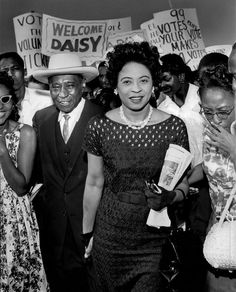 Daisy Lee Gatson Bates (November 1914 – November was an American civil rights activist, publisher, journalist, and lecturer who played a leading role in the Little Rock Integration Crisis of Black History Facts, Black History Month, Barack Obama, Kings & Queens, By Any Means Necessary, Civil Rights Activists, Ukraine, African Diaspora, We Are The World