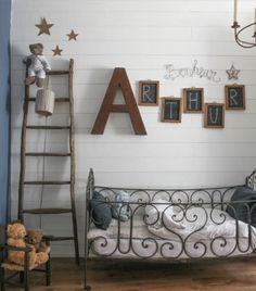 Love this classic feel with a bit of eclectic!