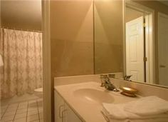 Floor Plan & Sq: Footage:(C) - 1041nsf Monthly: Fa, Wi, Sp NO youth groups TV(3), DVD(3), VCR(2), Stereo Flooring: Tile/Carpet L/R: Palm print SS, chair & ottoman w/ bamboo & wood accents, mirrored wa...