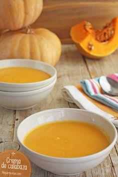 La crema de calabaza es una de las recetas de cremás más versátiles que hay ya que se puede tomar como crema fría o caliente. Descubre la receta paso a paso.