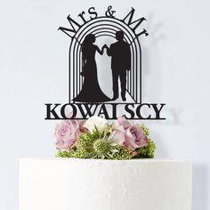 Mr & Mrs Kowalscy - topper na tort z datą - cake topper. Już od 69zł! #topper #cake #tort #ślub #wesele #wedding #dekoracja #decor #design #nowoczesny #modern #plexi #napis