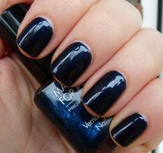 Swatch: Make Up For Ever - Black With Blue Highlights (Black Tango)