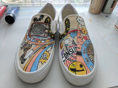 #YOURE IT: 5 Vans Fan Finds Here's 5 of our favorite Vans Fan finds on IG this week! We're loving all the Vans designs folks have created themselves using paints and pens! Don't forget to hashtag #VANSART on IG so we can post your photos here or to...