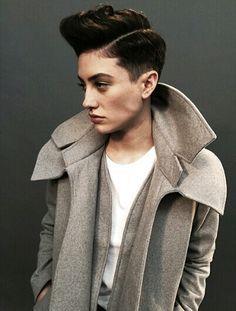 I Dream of Dapper Androgynous Women, Androgynous Fashion, Queer Fashion, Tomboy Fashion, Women's Fashion, Butch Haircuts, Tomboy Girl, Tomboy Style, Cut My Hair