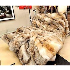 Fur Bedding, Bedroom Comforters, Canopy Bedroom, Fur Decor, Fur Rug, Fur Accessories, Fur Blanket, Vintage Fur, Warm Blankets