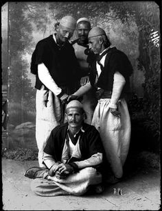 The countrymen of Zadrina, northern Albania, ca. by Kel Marubi Vintage Photographs, Vintage Photos, Albanian People, Albanian Culture, Empire Ottoman, Magnum Opus, In Ancient Times, Historical Pictures, Black And White Photography