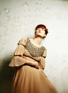 florence - florence + the machine Florence And The Machine, Florence The Machines, Florence Welch, Female Singers, Style Icons, Vintage Dresses, Beautiful People, Celebrity Style, Queen