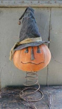 Fun Unique Craft Projects To Try Halloween Doll, Halloween Projects, Holidays Halloween, Halloween Pumpkins, Halloween Decorations, Craft Projects, Halloween Painting, Halloween 2019, Spooky Halloween