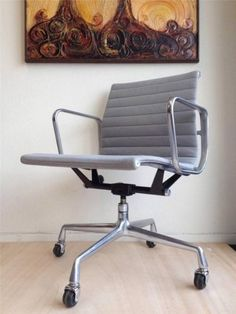 MID CENTURY MODERN HERMAN MILLER MANAGMENT ALUMINUM VINTAGE OFFICE CHAIR  EAMES
