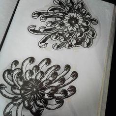 #crisantemo #crysanthemum #chysanthemumtattoo #yingyang #ink #tattoo #tattoodesign #black #blackwork #blackart #paula666ink