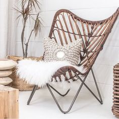 New items in the shop including this babe! Rattan Butterfly chair (link in Bio) plus it's FRI-YAY! So we all have that going for us