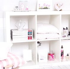 I want shelves like this!