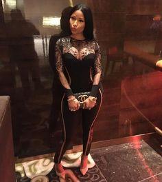 Checkout Nicki Minaj's outfit for Vegas night U.S Rapper, Nicki Minaj stunned in black LaPerla neop. Nicki Minaj Outfits, Nicki Minja, Nicki Minaj Barbie, Nicki Baby, Nicki Minaj Wallpaper, Nicki Minaj Pictures, Rapper, Celebrity Wallpapers, Black Barbie