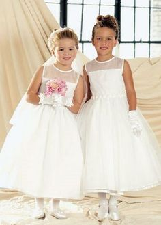 Wholesale Cheap Lovely Fashion White Ankle Length Best Sell First Communion Dress Frocks For Girls, Little Girl Dresses, Flower Girl Dresses, Flower Girls, Junior Bridesmaid Dresses, Pageant Dresses, Bridesmaids, Girls Communion Dresses, Wedding Dresses For Kids