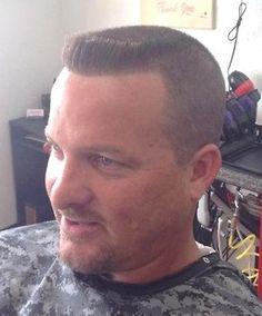 flattop haircut Summer Haircuts, Men's Haircuts, Top Hairstyles, Haircuts For Men, Bad Hair Day, My Hair, Military Haircuts Men, Military Cut, Flat Top Haircut